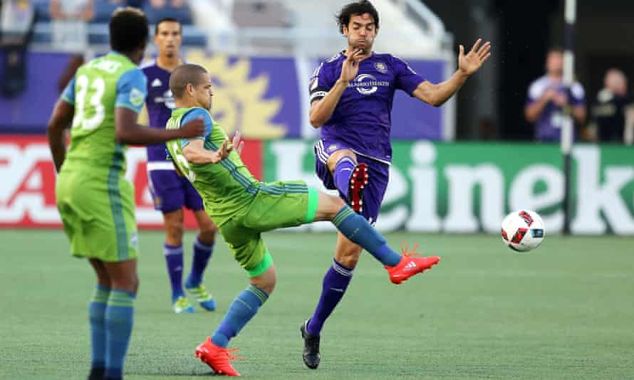 Seattle Sounders' Osvaldo Alonso challenges Orlando City's Kaká at the Citrus Bowl on Sunday but the Sounders' Nicolás Lodeiro was the game's outstanding performer.