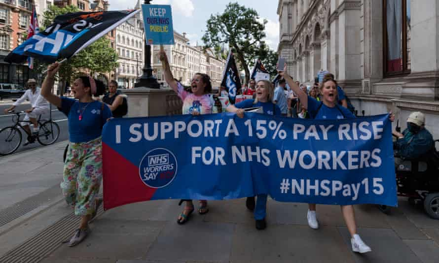 NHS staff protesting in London, 20 June 2021, after the health department advised a 1% pay rise