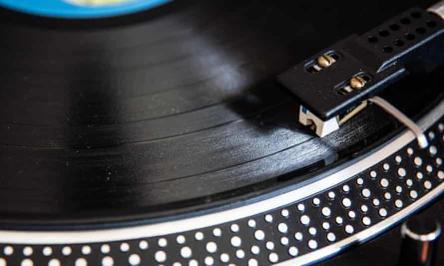 You spin me right round … Vinyl, as recommended by the stars.