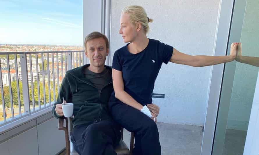 Russian opposition leader Alexei Navalny and his wife Yulia at Charité hospital in Berlin.