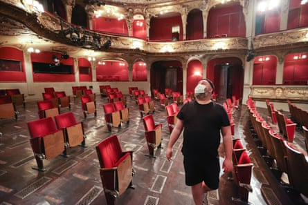 The Berliner Ensemble sets out its new seating plan.