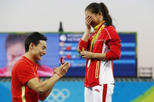 He Zi receives a marriage proposal while getting her Olympic medal