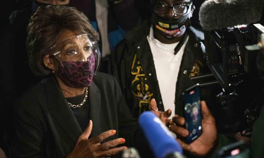 Maxine Waters during a protest in Brooklyn Center, Minnesota, over the weekend.