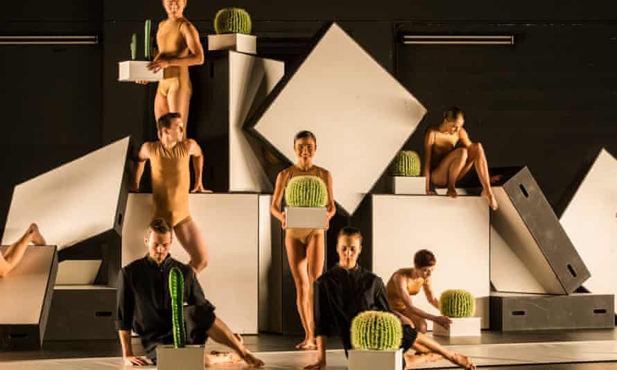 Sydney Dance Company in Cacti, by Alexander Ekman, 2016.