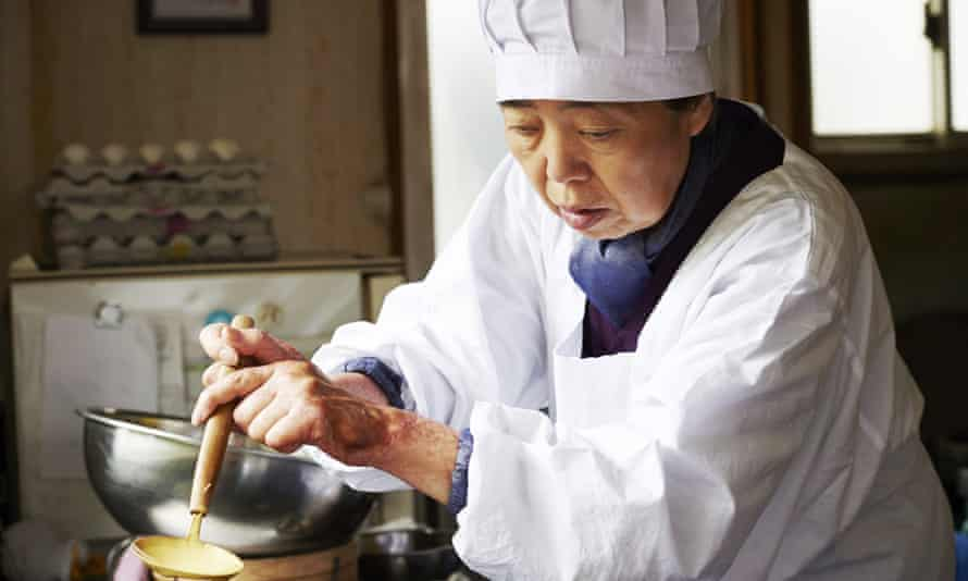 Kirin Kiki as Tokue in the film Sweet Bean, adapted from the book Sweet Bean Paste by Durian Sukegawa.