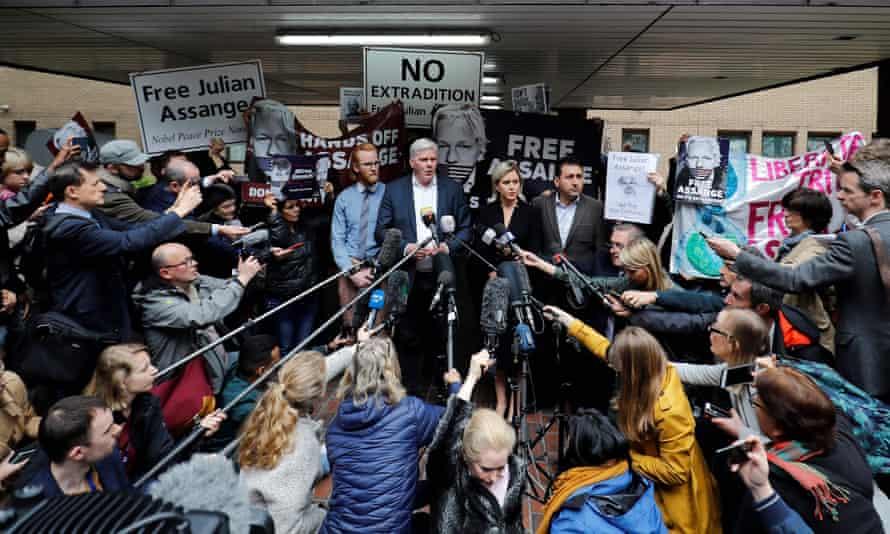 WikiLeaks' editor-in-chief Kristinn Hrafnsson (centre left) and barrister Jennifer Robinson (centre right) outside Southwark crown court