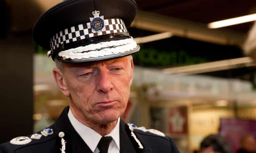Bernard Hogan-Howe says every borough will have at least one CCTV-equipped van.