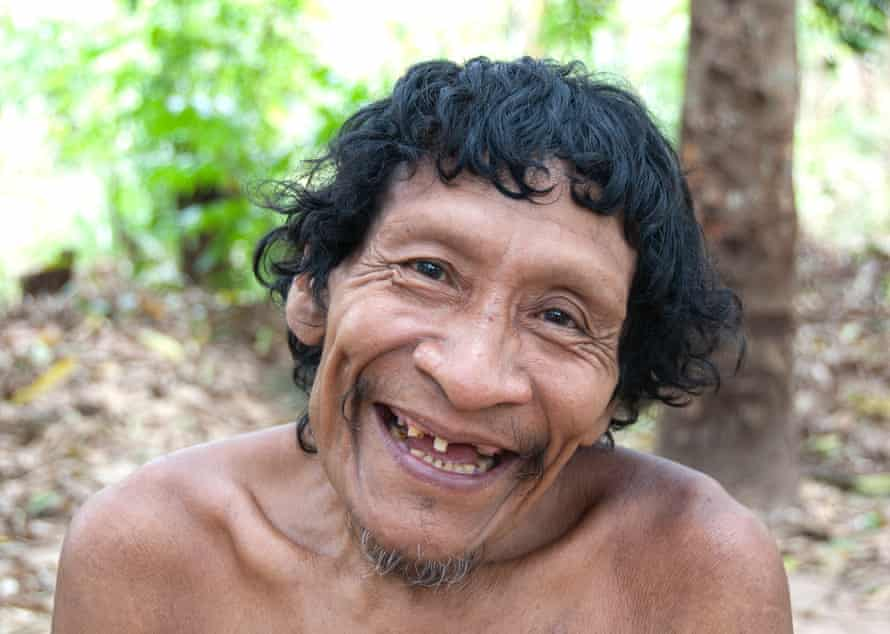 Karapiru spent 10 years alone in the forest after a massacre that killed most of his family. Eventually his was reunited with his son and returned to an Awá community.