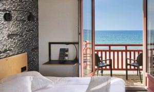 Bedroom, balcony, sea view, Les Charmettes, St Malo, France
