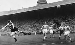 Better days for the Toon, as Wor Jackie scores in the 1955 cup final.