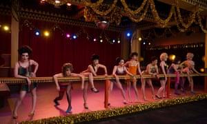 The chorus rehearsing for Cabaret in Fosse/Verdon.
