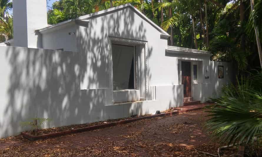 Steve Bannon Florida house