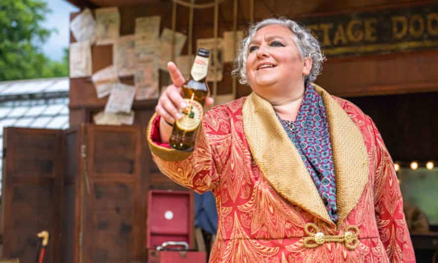 Jennifer Dick as Count Orsino in Twelfth Night