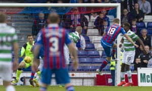 Alex Fisher's header beats Dorus de Vries to give Inverness Caledonian Thistle a share of the points.