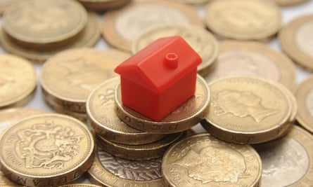Bbrokers and other financial experts are warning that mortgage rates will almost certainly rise in the coming months.