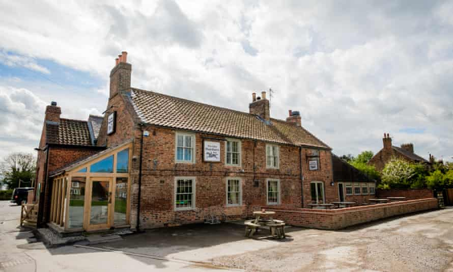 A country pub with a serious food habit: the Alice Hawthorn.