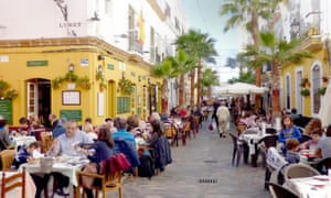 Restaurants in Andalucía, such as this one in Cádiz, thrive on an ancient farm and seafood culture