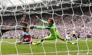Sébastien Haller slides in to score West Ham's first goal.