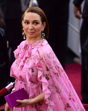 Maya Rudolph in a caped gown at the Oscars.