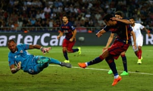 Pedro scores Barcelona's fifth goal.