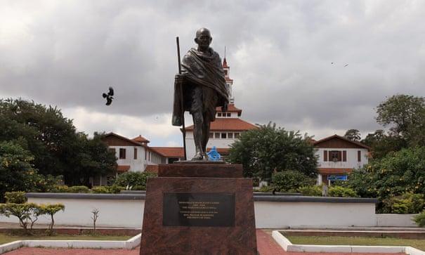 Statue of 'racist' Gandhi removed from University of Ghana | Mahatma Gandhi | The Guardian