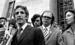 Daniel Ellsberg speaks to reporters outside the Federal Building in Los Angeles on 17 Jan 1973 during the Pentagon Papers trial