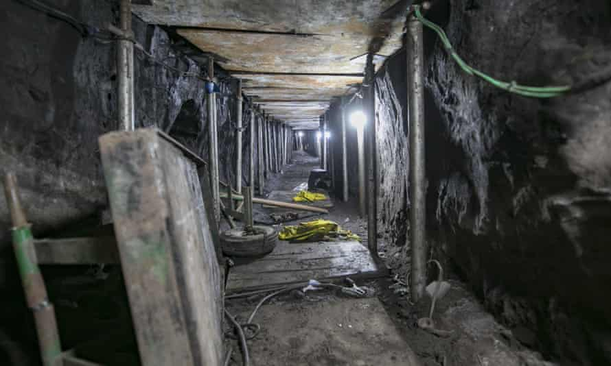 Brazilian police discovered a tunnel linking a house to the Banco do Brasil's safe in the city of São Paulo.