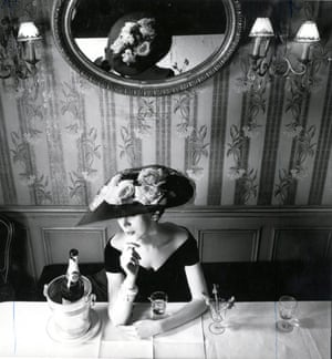 Christian Dior hat from the Raout silhouette spring-summer 1956 haute couture collection, Fleche line