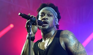 D'Angelo performing in Manchester, Tennessee.