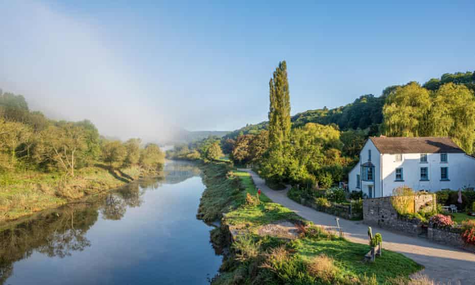 Brockweir on the river Wye.