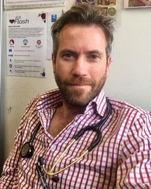 Dr Lachlan McIver