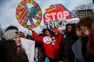 Participants arrive on Pennsylvania Avenue