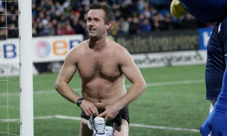 Grin and bare it: Ronny Deila strips naked to inspire Valerenga win