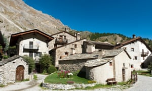 The mountain village of Chiappera is well-preserved and maintained.