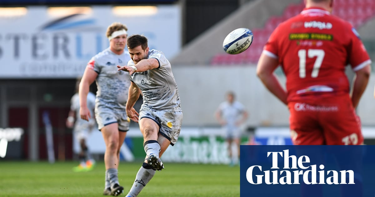 Champions Cup: Sale Sharks reach last eight after thrashing Scarlets