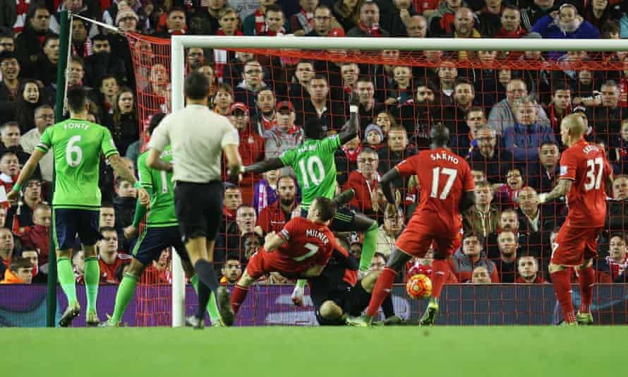 Sadio Mané scores for Southampton against Liverpool