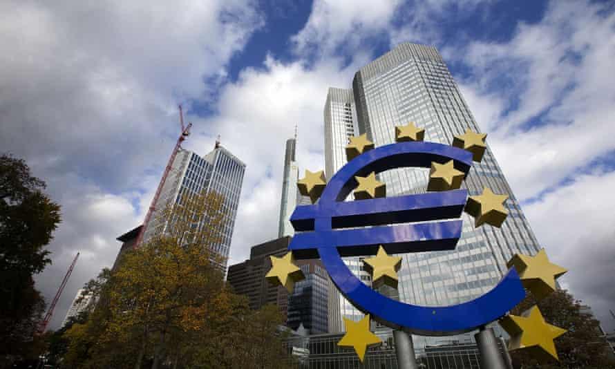 euro sign outside the european central bank