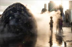 What a comet would look like.Creative Strategy: David Delgado and Dan Goods (NASA/ JPL) Design and Fabrication: Jason Klimoski, STUDIOKCA.