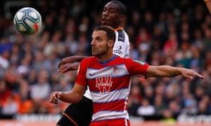 Soldado looks to hold off Valencia's Geoffrey Kondogbia