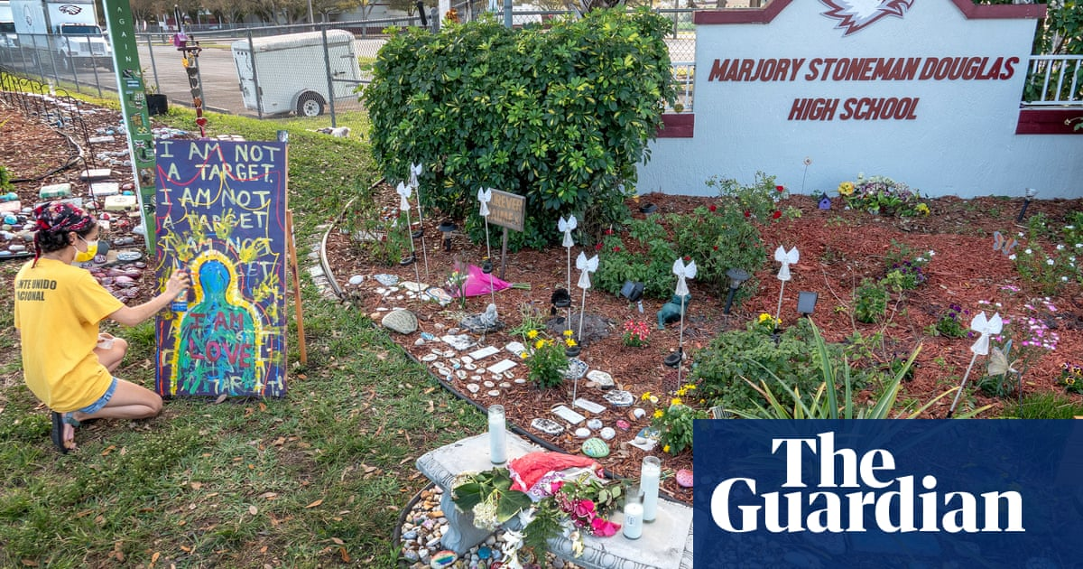 Parkland shooting suspect to plead guilty to 17 counts of murder