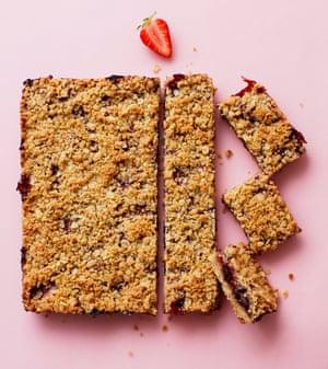 Tamal Ray's strawberry crumble bar
