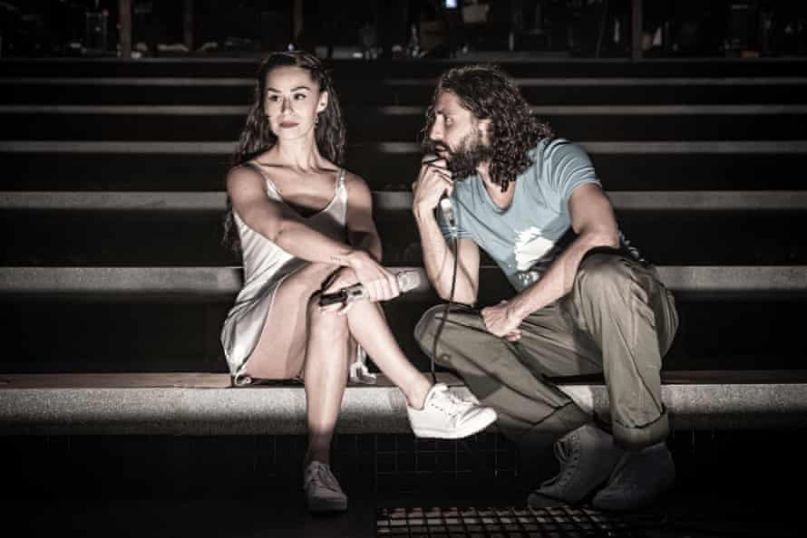 Samantha Pauly as Eva Perón and Trent Saunders as Che.
