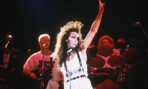 1991 Pete Burns performs with Dead or Alive