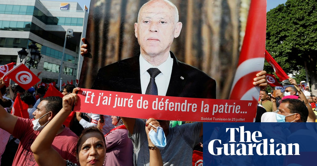 Tunisia's president names new government as fiscal crisis looms