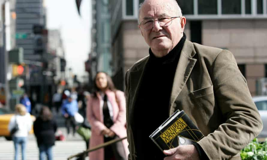 Clive James with his book Cultural Amnesia, 2007, a collection of biographical essays.