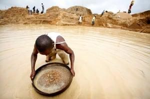Informal diamond mining in Kono, Sierra Leone.