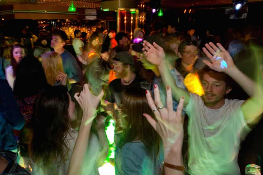 Le Paradis club, Morzine