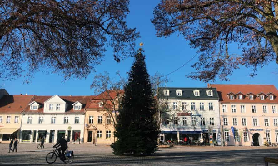 Neuruppin's main square with Christmas tree