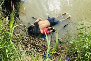 The bodies of Salvadoran migrant Óscar Alberto Martínez Ramírez and his nearly two-year-old daughter Valeria were found on the bank of the Rio Grande.