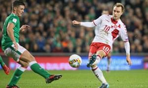 Christian Eriksen scores  for Denmark v Republic of Ireland